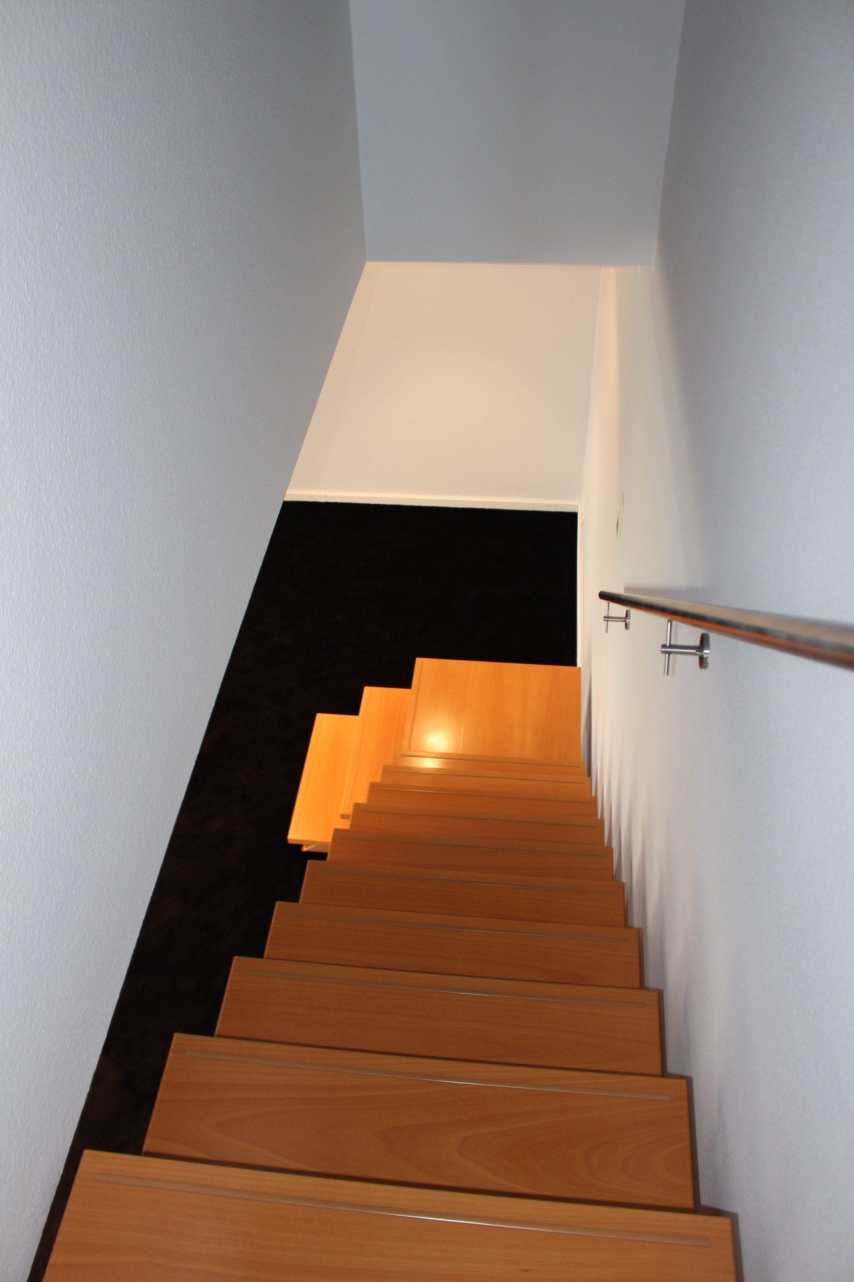 Beleuchtung Treppenaufgang saniert